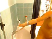 Webcambabe takes a shower
