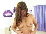 Sexy British mom Lelani with gorgeous body