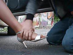 Voyeur Foot fetiche ação com nylon pés de um milf com tesão
