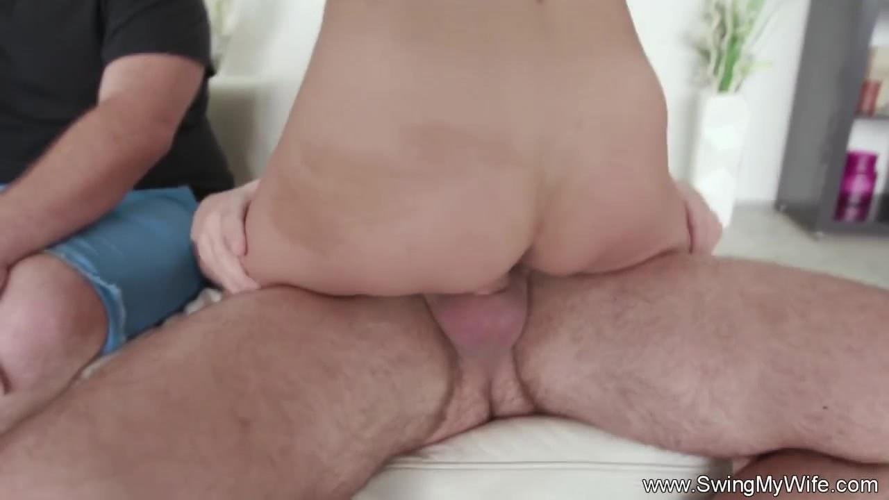Смотреть порно групповое трансы би