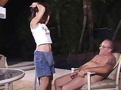 Alter Mann nach jungem Mädchen