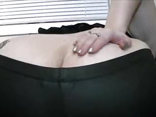 Girl Pantyhose video: Girl farting in her leggings
