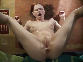 Teens Amateur video: Amateur - Cutie Redhead Teen Self Facial Pee