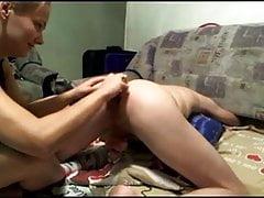 Maravillosa pareja joven buttplug juego de castidad