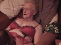 Granny Jean ottiene un po 'di sperma