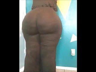 Big ebony cameltoe nude pics