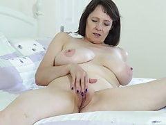 Cycata naturalna brytyjska matka Tigger chce się pieprzyć