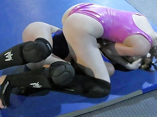 Homemade American Sport video: Buffy vs Monroe 2017! Real Competitive Female Wrestling!
