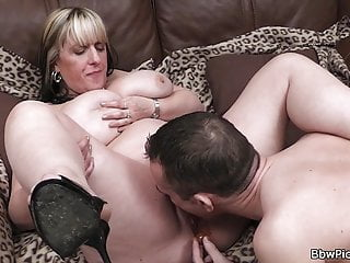 Bdsm Bukkake Czech video: Chubby gf gets her fat pussy licked before cock riding