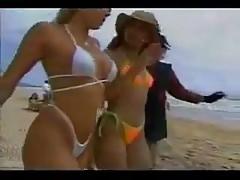Benvenuto Katy Pardo sexy bikini bianco!
