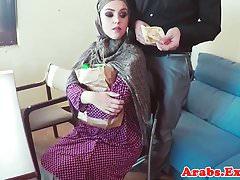 POV follada nena musulmana toma semen en la boca