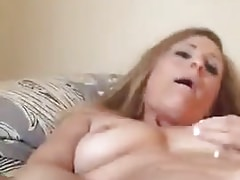 Milf cums with dildo-Homemade Amateur Video