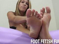 Postanowiłem pozwolić ci bawić się moimi wspaniałymi stopami