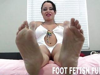 Bdsm Femdom Pov vid: I want you to play with my pretty feet