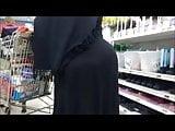 Seguimiento a vieja culona y caderona mientras compraba...