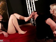 La decima parte della sparatoria - Domino di leccare e odorare a piedi nudi