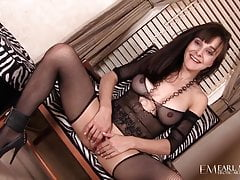 Pussy Rubbing Cytherea Bates Her Box!