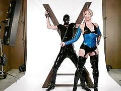 Helena Locke domina Tony Orlando durante il loro servizio fotografico