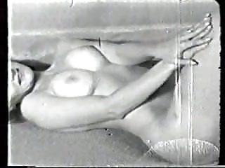 Vintage Softcore Striptease video: Vintage girl strip VCL0570