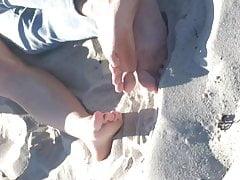 Girl Caught Getting Finger-banged On Public Beach