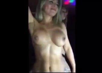 Striptease en el boliche