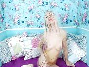 Sexy Gorgeous Blonde Babe Masturbates Pussy on Cam