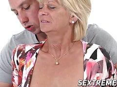 La vieille Diane Shepard ravie par une baise vigoureuse