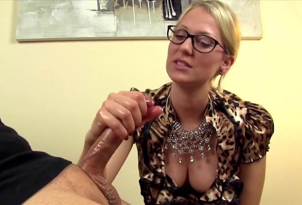 Лесби порно ролики двойное проникновение страпоном