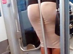 offener Arsch im Zug
