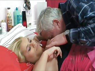 Oldyoung video: Grandpa fixit