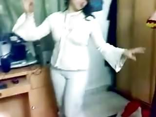 Arab Webcams Flashing video: Hot Arab Girl Dancing 017