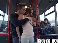Mofos B Sides - Bonnie - film miejski w miejskim sexie - Mofos