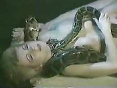 Naked Babe z Snake Mystery Video