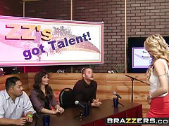 Brazzers - Shes Gonna Squirt - ZZs Got Talent Szene mit der Hauptrolle