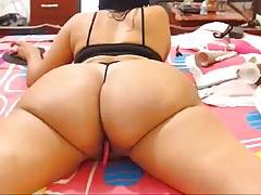 Dojrzała Busty Latina MILF Pokazuje Off Body (część 2)
