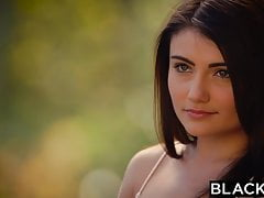BLACKED Primo interrazziale per la bellezza Adria Rae