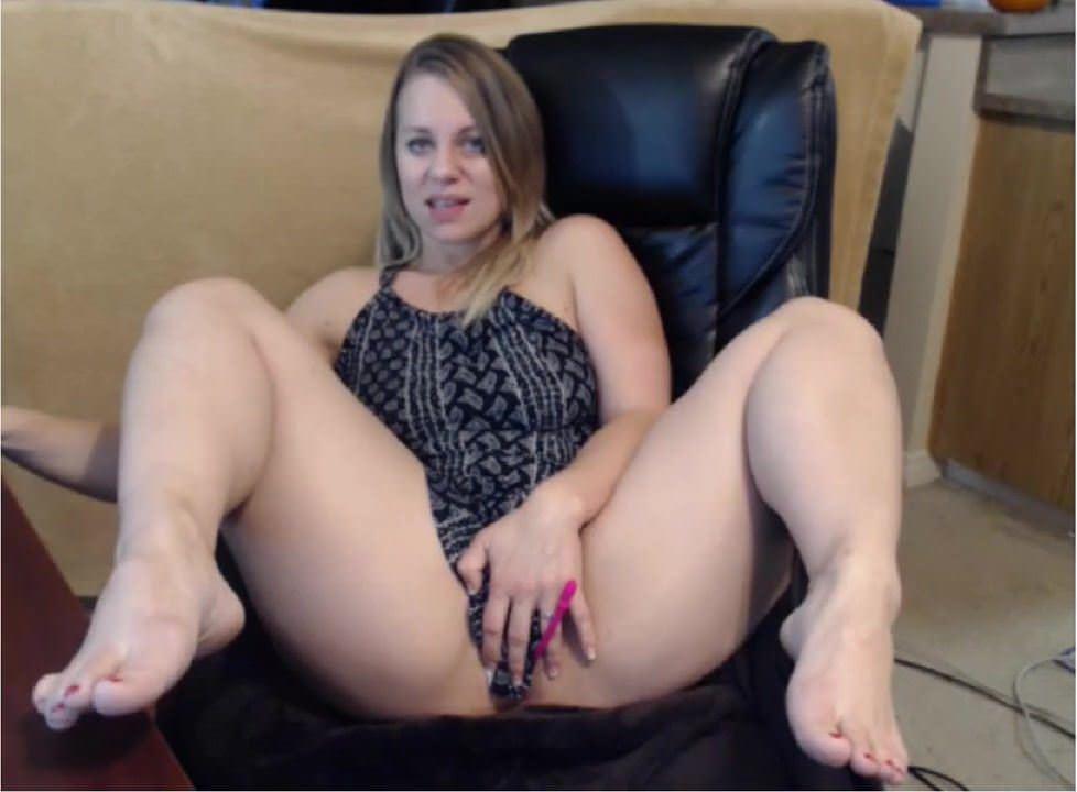 Худенькая девушка в порно онлайн
