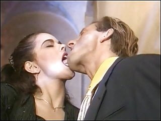 Pornstars Vintage Kissing video: Angelica Bella Tongue Kiss & Handjob