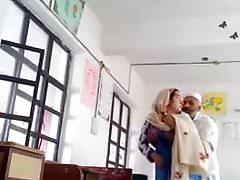 Studente musulmano scopato dal maestro
