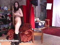 Die tschechische Amateurin zeigt ihre großen Brüste beim CASTING