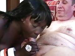Ebony fuck white Starszy mężczyzna
