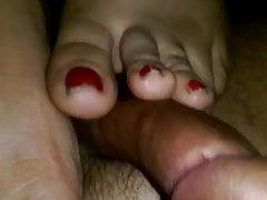 bbw moglie fatta in casa amatoriale footjob piedi dita dei piedi