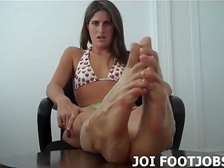 Shoot your load all over my oil covered feet JOI