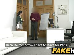 Fake Agent Krémový koláč pro drobné černé vlasy italské