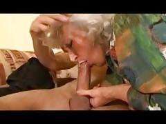 La nonnina ama il cazzo