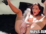 Shes a FREAK - Aliz - Im a Puppet Fist Me - Mofos