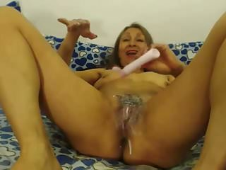 Grannies Webcams Granny video: Nasty Granny rubs Pussy with Baby Lotion