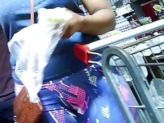 morena bucetuda no mercado (brunette big pussy) 070