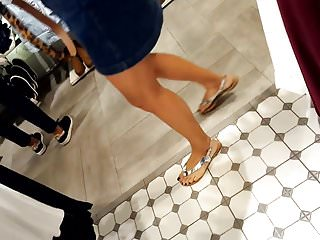 Public Nudity Voyeur Flashing video: Fr's sexy legs long feets perfect pedicured toes