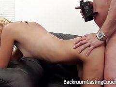 Dünne blonde anal Amateur Casting